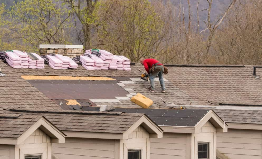 Advantages & Disadvantages of Diff Roofing Systems